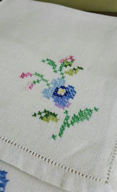 Vintage Linen Napkins Set of Six Floral by GreenLeavesBoutique