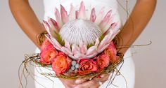 Bouquet with protea (sugar bush flowers) Protea Wedding, Bush Wedding, Flower Bouquet Wedding, Floral Wedding, Rustic Wedding, Flower Bouquets, Protea Bouquet, Protea Flower, Boquet