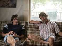 "Blake Jenner and Glen Powell in ""Everybody Wants Some! I t's difficult to find any of the main char. Blake Jenner, Jake Blake, Glen Powell, Darren Criss Glee, Glee Club, Live Action Movie, Dazed And Confused, Man Photo, Festivals"