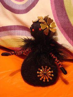 Needle felting brooch Elves, Needle Felting, Fairies, Brooch, Wreaths, Handmade, Home Decor, Faeries, Hand Made