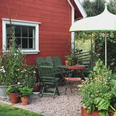 Red Cottage, Garden Cottage, Home And Garden, Backyard, Patio, Green Rooms, Outdoor Living, Outdoor Decor, Cabana