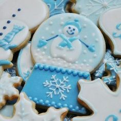 71 Likes, 5 Comments - The Cookie Chick Christmas Treats To Make, Cute Christmas Cookies, Xmas Cookies, Iced Cookies, Christmas Sweets, Christmas Baking, Aqua Christmas, Holiday Baking, Fancy Cookies