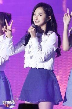 Hello Venus Yoo Ara Pledis Entertainment, Girl Bands, Venus, Kpop, Korean Music, Asian Beauty, Venus Symbol
