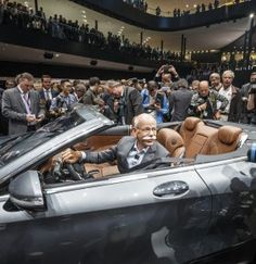 After 40 years plus, Mercedes-Benz has a droptop to park at the top of its lineup, with the all-new, altogether-too-sexy 2016 S-Class Cabriolet. Mercedes Benz World, Benz S Class, Dream Cars, Conference, 40 Years, Frankfurt, Lineup, Closer, Image
