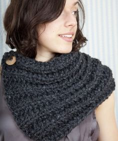 harcoal Handknit Neckwarmer Unisex ...I need to learn how to knit.