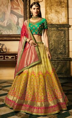 Check out new arrivals of lehenga choli in different styles, designs and fabrics. Shop this wonderous embroidered, lace and resham work red lehenga choli for bridal and wedding. Lehenga Saree Design, Lehenga Choli Online, Silk Lehenga, Lehenga Designs, Bollywood Lehenga, Green Lehenga, Indian Bollywood, Georgette Sarees, Pakistani