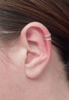 loop Ear cuff, Sterling Silver OR Gold filled 20 ga or 18 ga. No Pierced ear cuff.Double loop Ear cuff, Sterling Silver OR Gold filled 20 ga or 18 ga. No Pierced ear cuff. Fake Piercing, Spiderbite Piercings, Ear Peircings, Double Cartilage Piercing, Piercing Tattoo, Ear Piercings Chart, Helix Hoop, Barbell Piercing, Ear Piercings