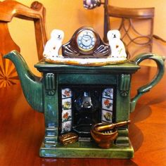 AliceShopCreamtea: Victorian fireplace teapot S size 1 cup for United Kingdom-rose rose antique vintage - Purchase now to accumulate reedemable points! Rose Rise, Victorian Fireplace, Global Market, Royal Doulton, Teapots, United Kingdom, Clock, China, Marketing