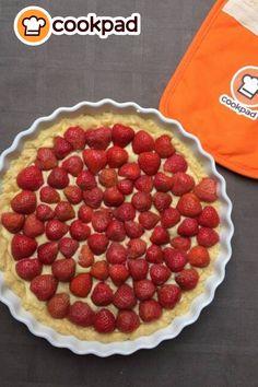 #Ανοιξιάτικη #τάρτα με #φράουλες, ό,τι πρέπει για #επιδόρπιο ή συνοδευτικό για τον απογευματινό καφέ! #συνταγές #γλυκό #ελαφρύ #δροσερό #recipes #dessert #tart #strawberry Raspberry, Pie, Drink, Fruit, Desserts, Food, Strawberry Pie, Torte, Tailgate Desserts