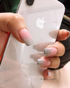 #ombre #ombrenails #glitternails #shortcoffinnails #glam #nailsindurban #nailsonfleek #nailsofinstagram #nailporn #prettyset #cleannails… Coffin Nails, Acrylic Nails, Clean Nails, Nails On Fleek, Glitter Nails, Instagram, Long Fingernails, Glittery Nails, Acrylics
