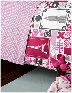 So cute for a little girl's room. Perfect for Leta...pink isn't my favorite, but I love the idea of a World in Pink! You see the Empire State Building & Eiffel Tower!?! Eeee! I LOVE!