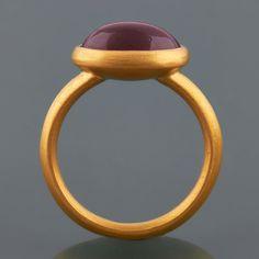 #Garnet #Ring In 22ct #Gold by Deborah Cadby http://www.fldesignerguides.co.uk/engagement-ring-designer/deborah-cadby