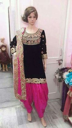10 types of best designer punjabi suits design for all time pretty looks Patiala Dress, Punjabi Dress, Patiala Salwar, Punjabi Salwar Suits, Pakistani Dresses, Indian Dresses, Anarkali Dress, Lehenga, Latest Punjabi Suits Design