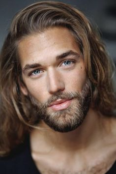 Combine hairstyles with a beard – 5 trendy hairstyles and the right beard length # Hairstyle men mens hairstyles # Source by Cool Hairstyles For Men, Haircuts For Men, Sweet Hairstyles, Hipster Bart, Bart Trend, Short Beard, Long Beards, Beard Growth, Beard Styles