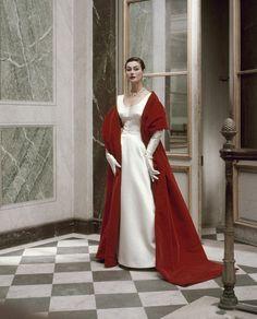 Balenciaga evening dress and stole, 1952. Frances McLaughlin-Gill / Vogue; Copyright © Condé Nast.