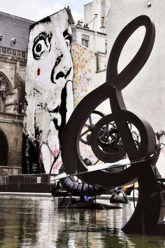 Chut!  Photo  by Jef Aérosol, Place Stravinsky, Paris