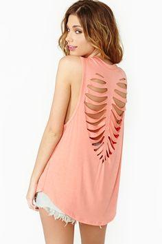 I sooooo adore the back cut out T's! #cute #diy #summer #tshirt