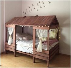 Always think of innovative ways that you'll be able to use bedroom furniture styles to boost the expression of your bedroom. A full set of bedroom furniture may include the subsequent. Bunk beds are offered in different sizes and designs on the market. Pallet Bed Frames, Diy Pallet Bed, Diy Bed Frame, Diy Pallet Furniture, Design Furniture, Furniture Making, Furniture Ideas, Furniture Dolly, Furniture Logo