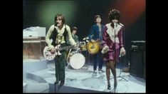 Small Faces - Tin Soldier (good quality) featuring Steve marriot (lead singer) and guest singer, P. 60s Music, Music Songs, Music Videos, James Brown, Rod Stewart Faces, Behind Blue Eyes, John Lennon, Steve Marriott, Beatles