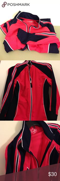 Light weight wind breaker for runners 🏃🏼 BRAND NEW, WORN ONCE - light weight wind and rain jacket. Not water proof but water resistant. Medium, perfect condition, bright pink, white and dark blue ( a shade darker than navy blue ). Perfect for morning runs. Jackets & Coats