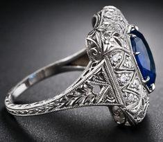 Art Deco Jewelry, Jewelry Rings, Antique Jewelry, Vintage Jewelry, Vintage Style Rings, Sapphire Diamond, Sapphire Rings, Blue Sapphire, Minerals And Gemstones