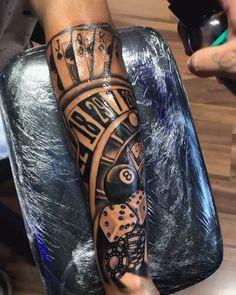 Tatuagem em preto e cinza com temática de cassino - Tattoo em preto e cinza criada pelo tatuador brasileiro Jefferson Lira (jefflira_tattoo). A tatuag - Forarm Tattoos, Forearm Sleeve Tattoos, Best Sleeve Tattoos, Tattoo Sleeve Designs, Forearm Tattoo Men, Tattoo Designs Men, Leg Tattoos, Black Tattoos, Half Sleeve Tattoos For Men