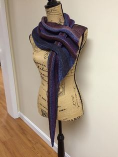 DIY Knit Slot Scarf-Knit Arrow Caterpillar Scarf (Free Pattern) #Knitting, #Scarf, #Fashion