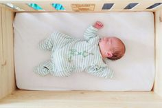 BabyCrate is a simple newborn bed that's practical, portable and feels like home.  #baby #sleep #babycrate #bassinet