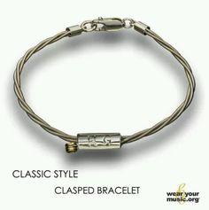 John Mayer, bracelet