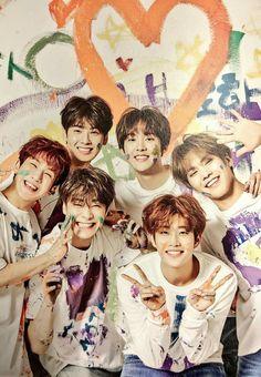 Astro family is so cute Right Aroha? Astro Boy, Cha Eunwoo Astro, K Pop, Billboard Music Awards, Pop Bands, Korean Bands, South Korean Boy Band, Brad Pitt, Shinee