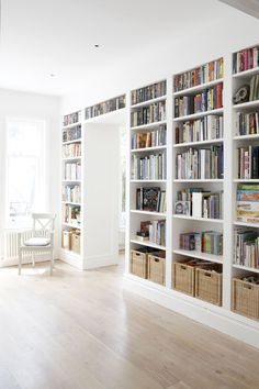 Home studio bookshelves 64 ideas for 2019 diy bookcases Home studio bookshelves 64 ideas for 2019 ideas bookshelf styling Bookshelf Styling, Bookshelf Design, Bookshelf Ideas, Office Built Ins, Creative Bookshelves, Diy Bookcases, Bookshelves Built In, Home Library Design, Home Libraries