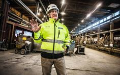Parman toimitusjohtaja Hannu Tuukkala tapaa yhtiön jokaisen tehtaan henkilöstön tehdasinfoissaan kaksi kertaa vuodessa.