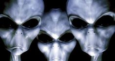 10 Creepy Stories Of Alleged Alien Encounters - Alien UFO Sightings Alien Gris, Types Of Aliens, Aliens And Ufos, Ancient Aliens, Illuminati, Nasa, Art Alien, Alien Proof, Alien Encounters