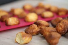 Voici une recette de mini madeleine à l'ancienne, comme celles de Commercy. Facile à réaliser et ultra moelleuse, on attend le goûter avec impatience !