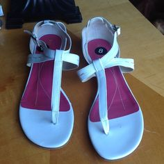 Kate Spade White Sandals -Flats Kate Spade thing sandals. 100% leather. Love these. Thong sandal flats style. Buckle for closure. True to size. kate spade Shoes Sandals