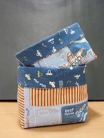 :  Para hacer estas bonitas cestas necesitamos:  *Dos telas diferentes que nos gusten para combinar los dos lados de la cesta  *Entretela d...