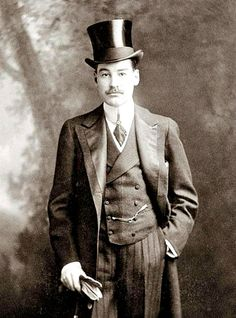 Alfred Gwynne Vanderbilt I 1877 –1915 Hero of the RMS Lusitania  Member of the famous Vanderbilt family of philanthropists. He died on the RMS Lusitania.  Vanderbilt helped others into lifeboats, and then Vanderbilt gave his life jacket to save a female passenger. Vanderbilt had promised the young mother of a small baby that he would locate an extra life vest for her.Failing to do so, he offered her his own life vest. - #MensFashion #Mens #Dandy #Fashion #Style #Menswear