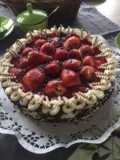 Erdbeerkuchen mit Schmand - Vanillecreme, ein leckeres Rezept mit Bild aus der Kategorie Kuchen. 175 Bewertungen: Ø 4,7. Tags: Backen, Kuchen