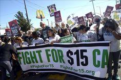Trabajadores protestan por salarios en oficina de congresista de Florida  http://www.elperiodicodeutah.com/2016/01/inmigracion/trabajadores-protestan-por-salarios-en-oficina-de-congresista-de-florida/