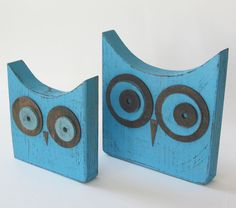 Set of 2 Distressed Turquoise Wood Owls