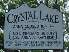 Scary Camp Crystal Lake in Pennsylvania. Horror Icons, Horror Films, Halloween Signs, Vintage Halloween, Halloween 2017, Camping In Pennsylvania, Hack And Slash, California Camping, Horror