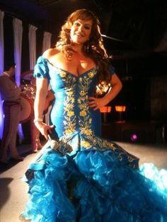 Jenni Rivera beautiful women......Por que no le calas video