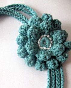 Crochet Flowers pattern for single and double flower.