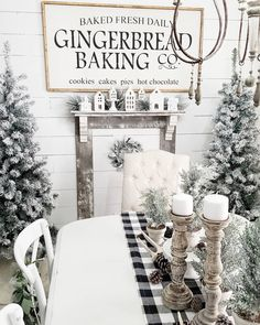 Are you looking for ideas for farmhouse christmas decor? Browse around this site for perfect farmhouse christmas decor inspiration. This farmhouse christmas decor ideas seems totally superb. Farmhouse Christmas Decor, Diy Christmas Tree, Country Christmas, Winter Christmas, Christmas Tree Decorations, Winter Wonderland Christmas, Handmade Christmas, Diy Christmas Home Decor, Elegant Christmas Decor