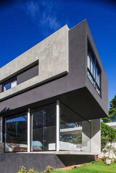 Mattos House 01 FGMF Arquitetos Design a Concrete Home in São Paulo, Brazil