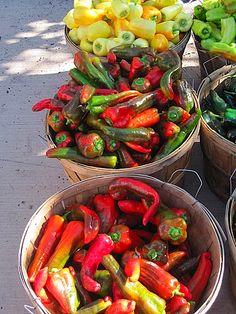 santa fe farmers market... so colorful!