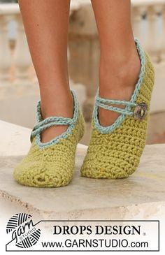 """Ravelry: 113-32 Crochet slippers in """"Eskimo"""" pattern by DROPS design-Free Pattern"""