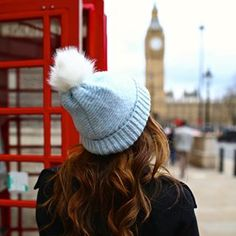 Beth casualy at London,this pic is adorbs, and btw she has beanny