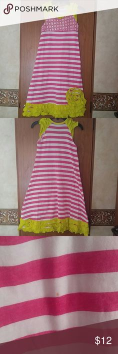 Jelly The Pug size 6 Maxi Dress So cute and in very good condition. There is 1 tiny untreated spot on the back (pictured). Loved this and here that we have outgrown it. Jelly The Pug Dresses Casual