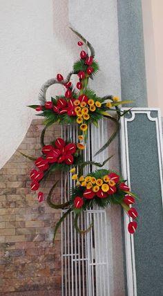 Contemporary Flower Arrangements, Tropical Flower Arrangements, Funeral Flower Arrangements, Ikebana Flower Arrangement, Tropical Flowers, Altar Flowers, Church Flowers, Funeral Flowers, Unique Flowers